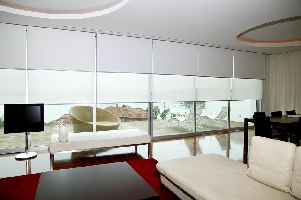 Рулонные шторы на пластиковые окна как крепятся