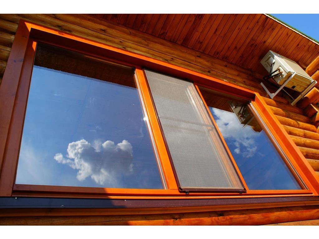 как поставить пластиковые окна в деревянном доме