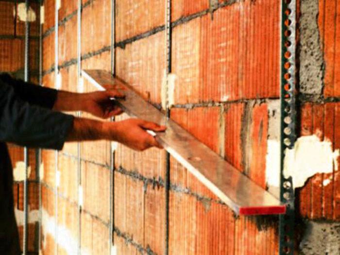 Маяки для выравниявания стен